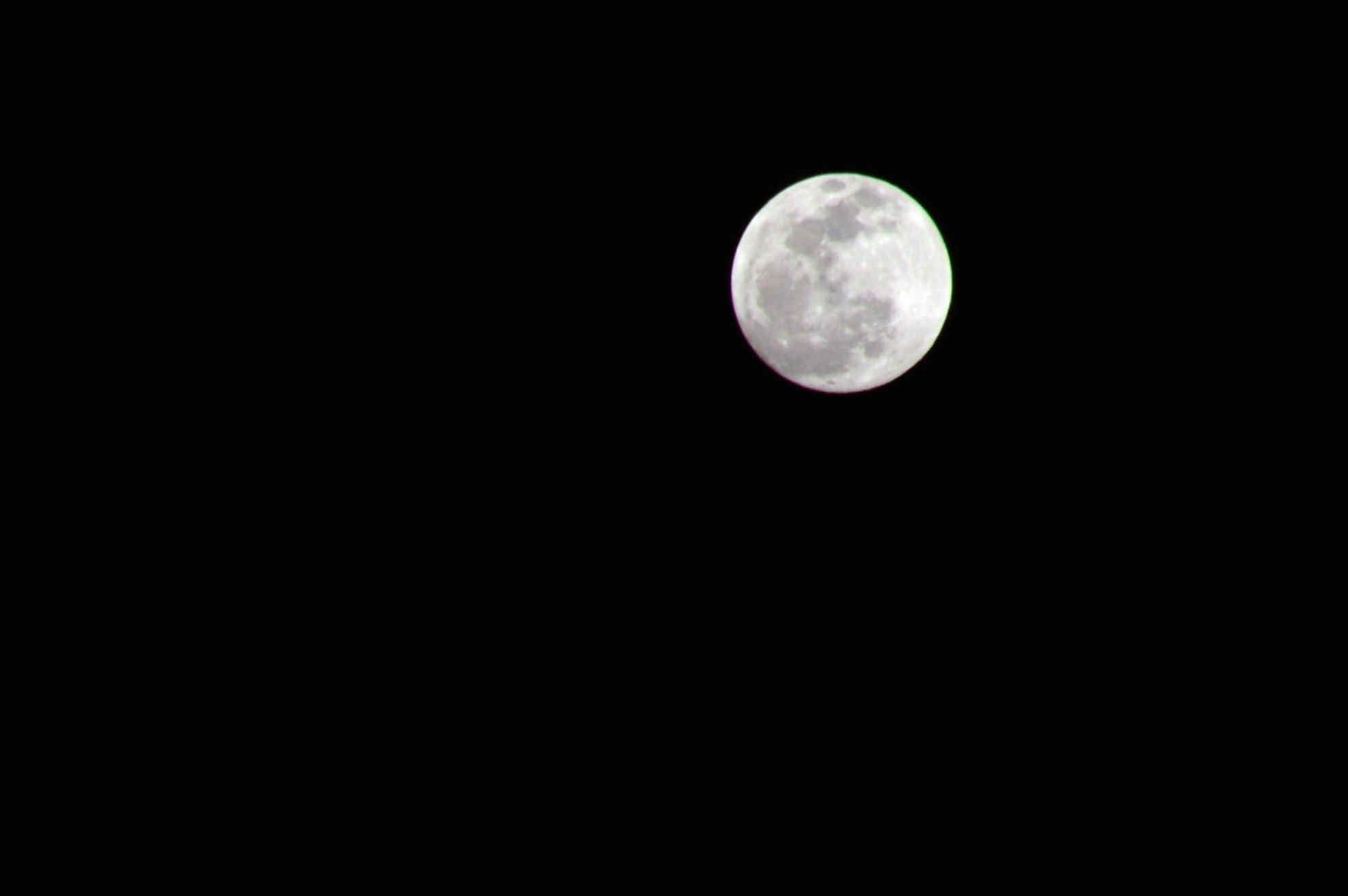 初拍初一月亮!
